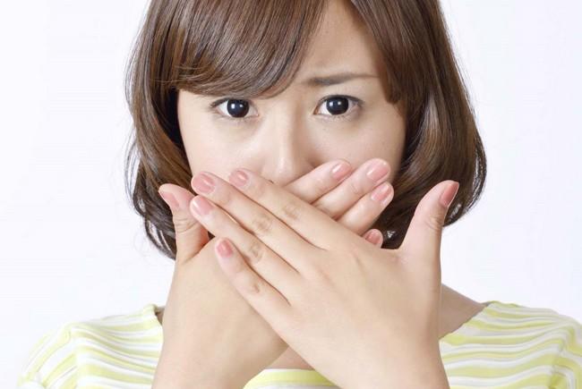 舌に歯型がつく原因