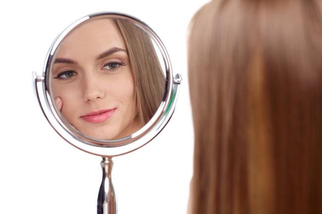 女性の鼻毛処理